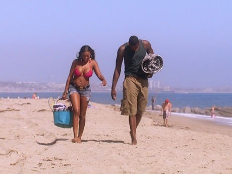 Brooke and Vernon go out for a beach day.