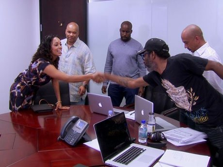 Gloria meets with the producers of her web series, and she's got a lot of work to do in the next month.