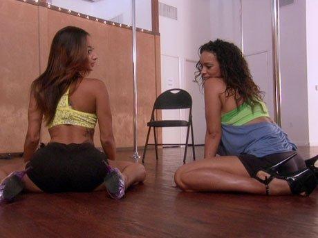 Draya teaches Gloria the art of seduction.