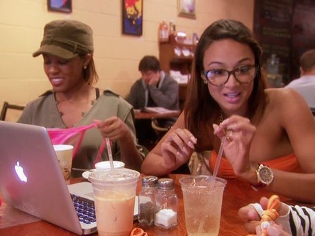 Malaysia, Laura, and Draya catch up, and Draya introduces the women to her business side.