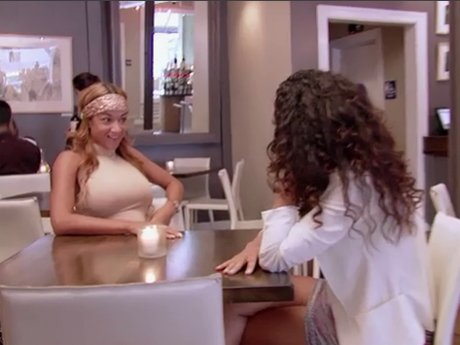 Draya tries to explain to Gloria why the group is annoyed at Laura.
