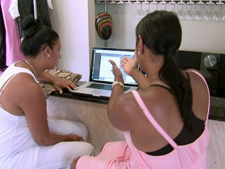 Jackie and Laura dig up some dirt on Draya.