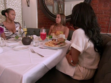 Imani, Jackie, and Draya get brunch and discuss the newest victim of gossip, Laura.