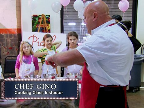 Chef Gino has a cooking demonstration for Mimi and her friends.
