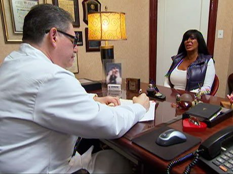 After speaking with the doctor, Big Ang decides to go on a detox: no drinking or smoking for a week!