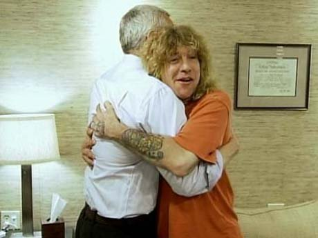 Steve and Dr. Drew hug it out and Steve stays in rehab.