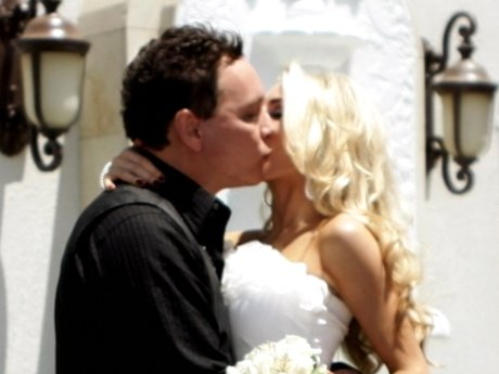 Even though Courtney is only 17, their marriage is still legal.
