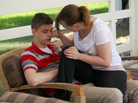 Catelynn comforts Tyler after he opens up about his father.