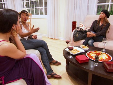 Mayte invites the ex-wives to Napa Valley!