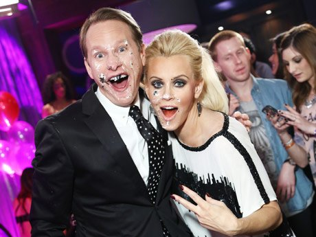 L to R: Carson Kressley and Jenny McCarthy