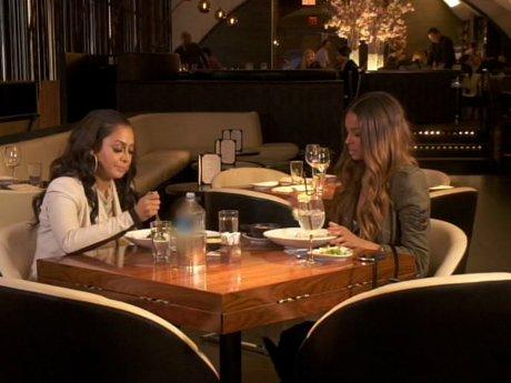 La La and Ciara grab dinner.
