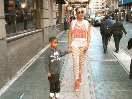 La La and Kiyan go out for a stroll in the city. Or is it that simple?