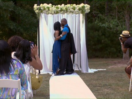 Rasheeda and Kirk renew their vows.