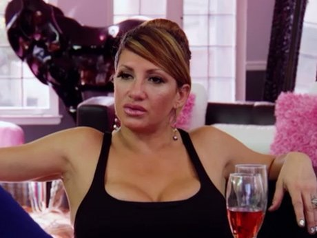 Love talks to Big Ang about the issues Renee has with her.