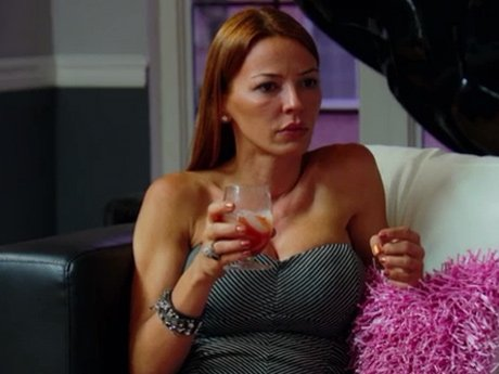 Drita talks to Big Ang about the issues between Carla and Renee and organizing a brunch to settle their differences.