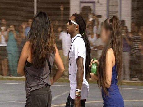 Lil' Wayne arrives on set of T.I.'s music video!