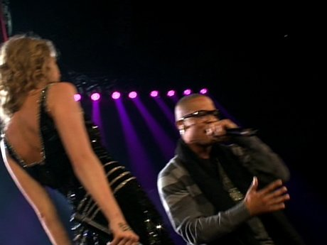T.I. and Taylor do a duet for 'Live Your Life'.