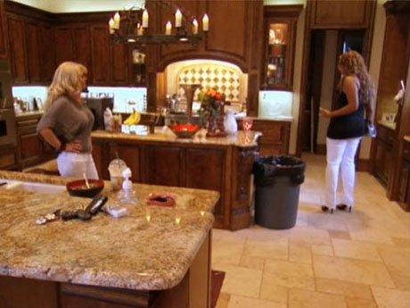 Chanita visits Amanda