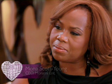 Yandy talks to her mentor, Mona Scott-Young.