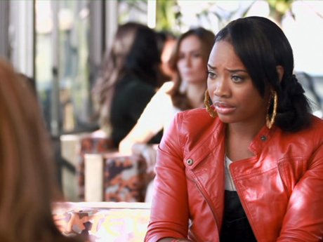 Yandy talks to Emily and Olivia about her fight with Chrissy. Is Olivia being too sympathetic to Yandy?