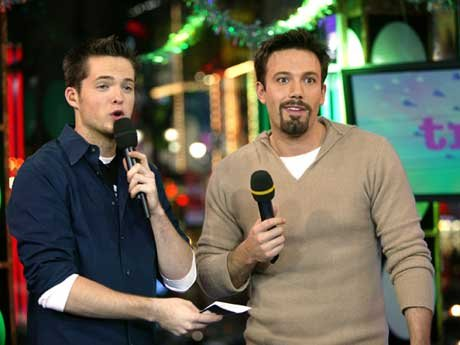 Actor Ben Affleck and MTV VJ Damien Fahey appear on stage during MTV's Total Request Live at the MTV Times Square Studios December 15, 2003 in New York City. [Getty Images]