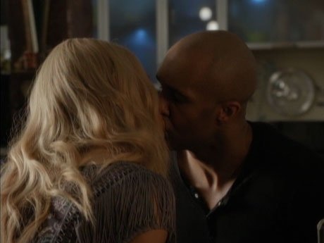 Reggie and April finally have a great kiss!