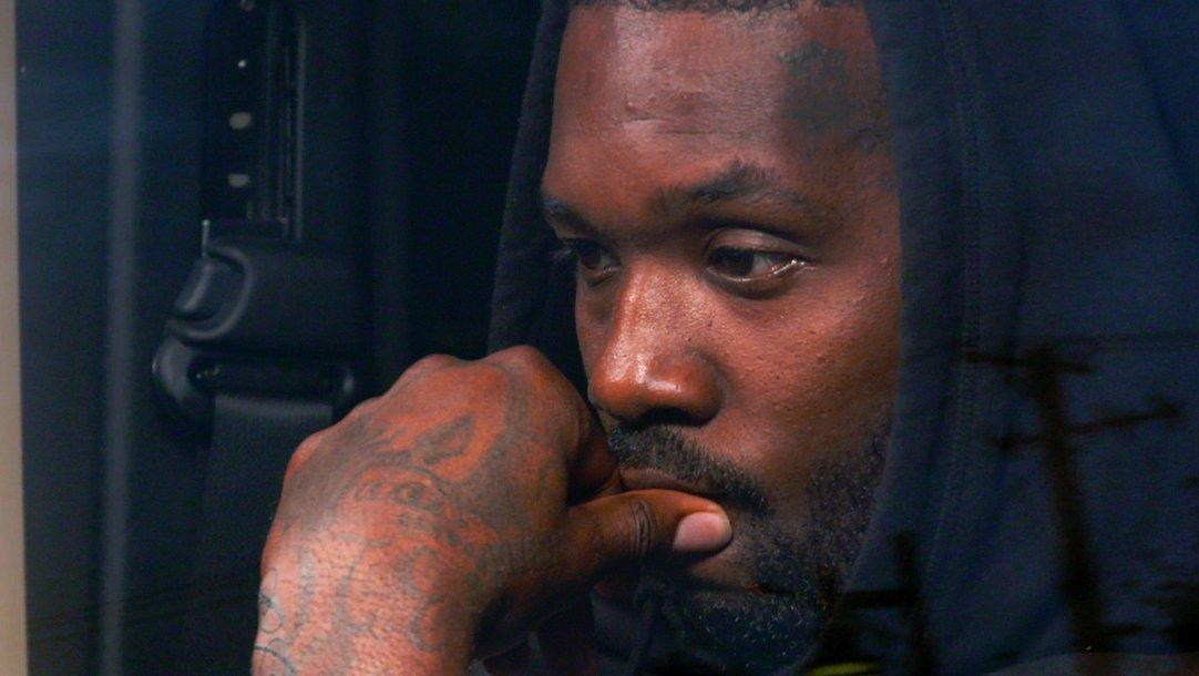 bde69b3c42bc5 Sneak Peek - Loyal Ink Is Dead - Black Ink Crew Chicago (Video Clip)   VH1