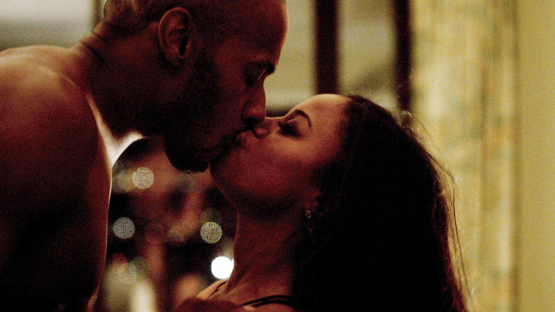 Derek And Ahsha Heat Things Up In Vegas Hit The Floor Video