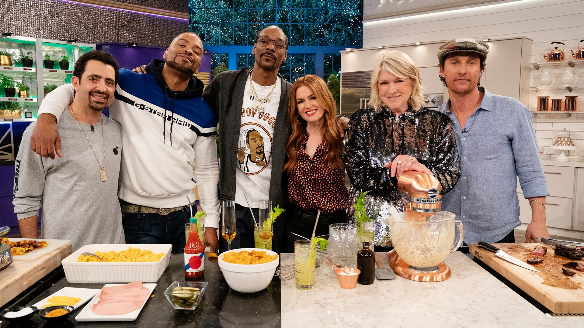 Martha & Snoop's Potluck Party Challenge - 4/20 Munchie Snackdown | VH1