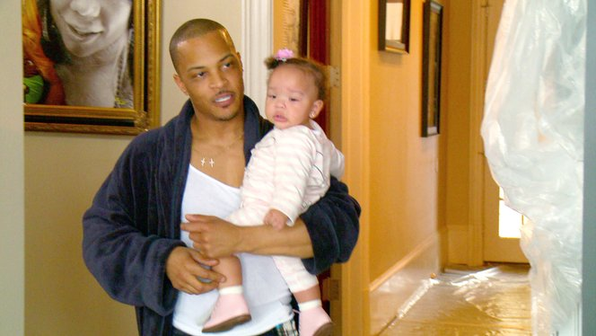 ti has a woman over when tiny drops off the kids ti tiny the family hustle video clip vh1 - Tiny Pictures