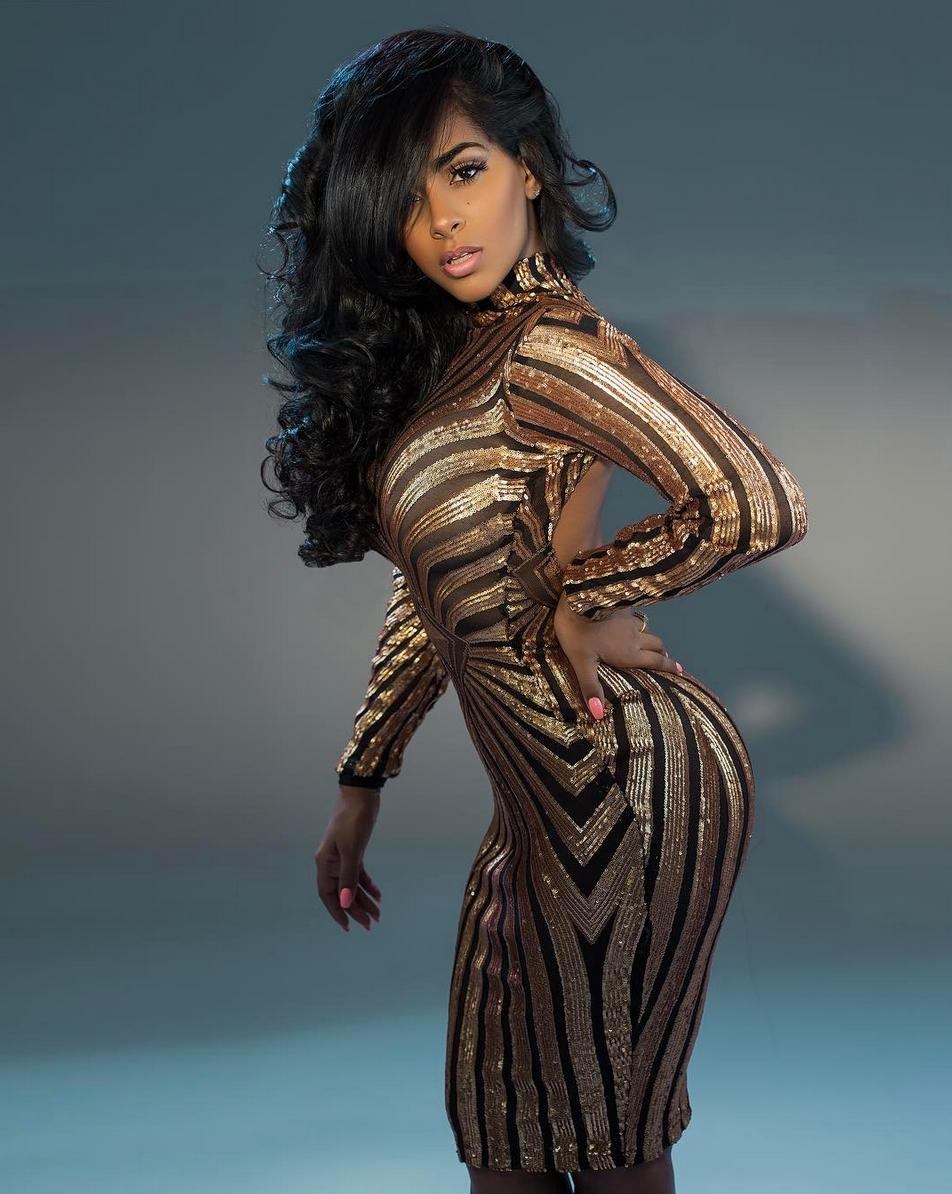 Ayisha Diaz Nude Photos 20