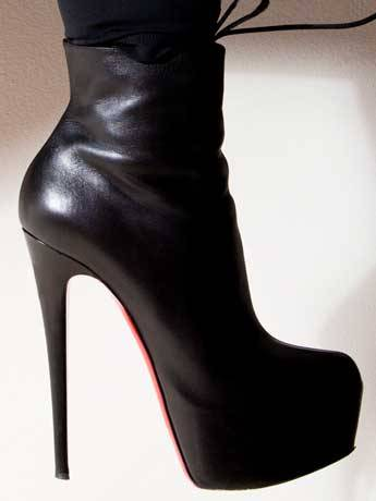 /mobile/vh1_mobilepreview/flipbooks/Shows/Basketball_Wives_4/evelyn_style/shoes_1331326023.jpg