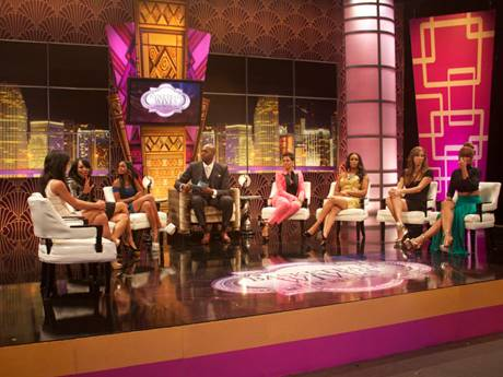 /mobile/vh1_mobilepreview/flipbooks/Shows/Basketball_Wives_4/bbw_reunion_backstage/group_on_set1_1337714996.jpg