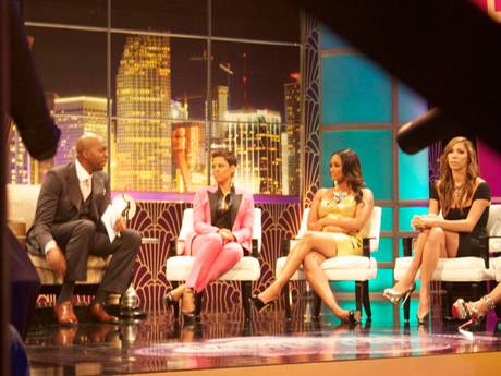 /mobile/vh1_mobilepreview/flipbooks/Shows/Basketball_Wives_4/bbw_reunion_backstage/johnsalley_right_side_1337714999.jpg
