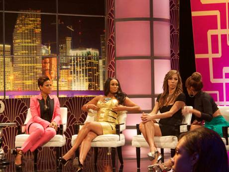 /mobile/vh1_mobilepreview/flipbooks/Shows/Basketball_Wives_4/bbw_reunion_backstage/rightside1_1337715113.jpg