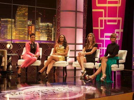 /mobile/vh1_mobilepreview/flipbooks/Shows/Basketball_Wives_4/bbw_reunion_backstage/rightside2_1337715114.jpg